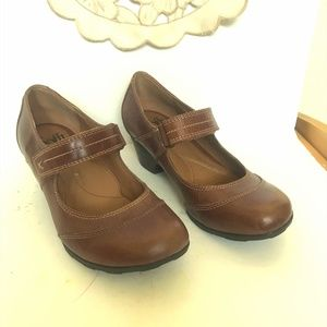 Sofft Light Brown Mary Jane with Heel